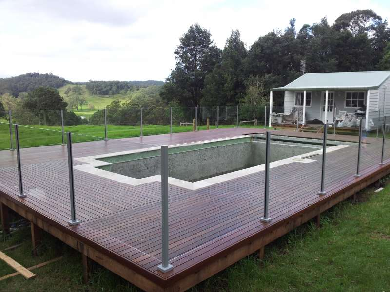 Semi-frameless Glass Pool Fencing.