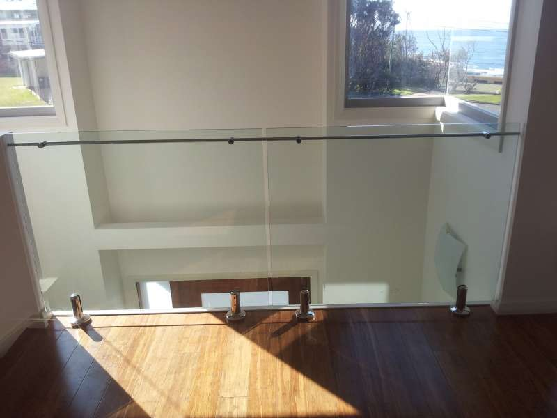 Indoor frameless balustrade.